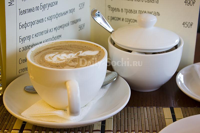 """Капучино в кафе """"Буланже"""""""