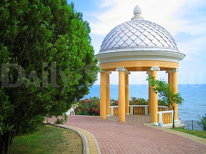 Ротонда в парке имени Фрунзе