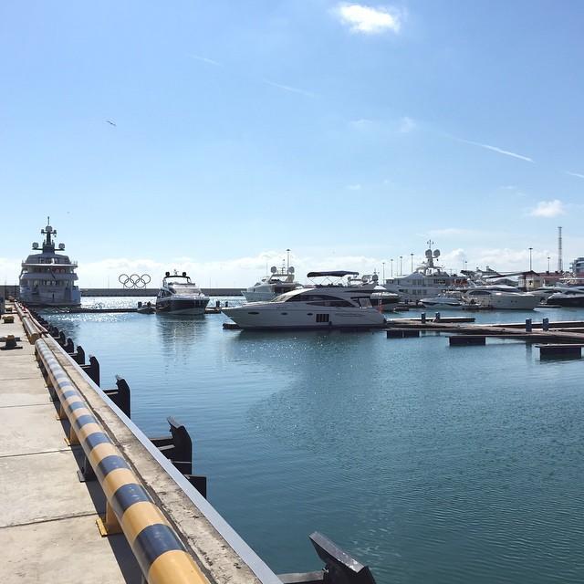 Морской вокзал Сочи. Стоянка яхт и катеров.