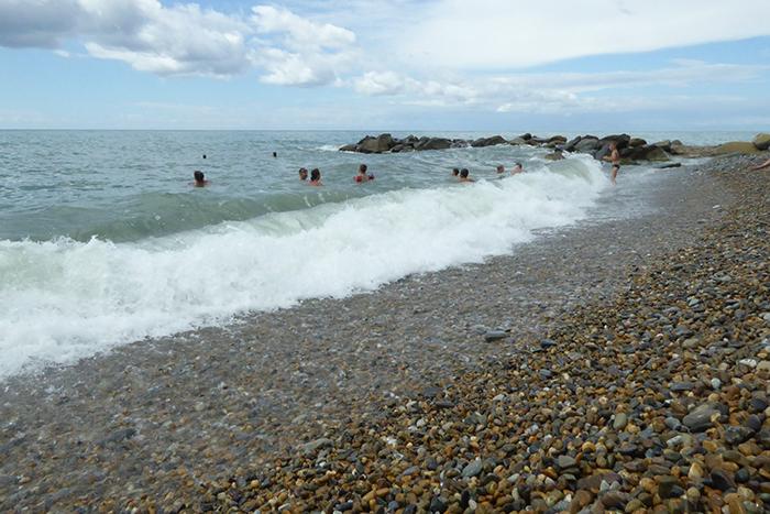 Пляж в Вардане
