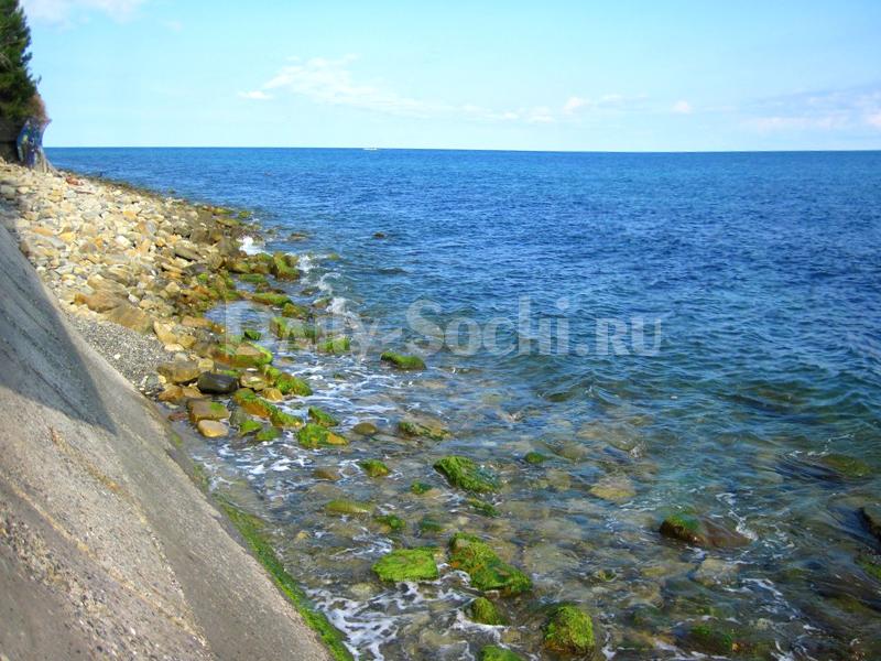 Нудистский пляж в Лоо (город Сочи)