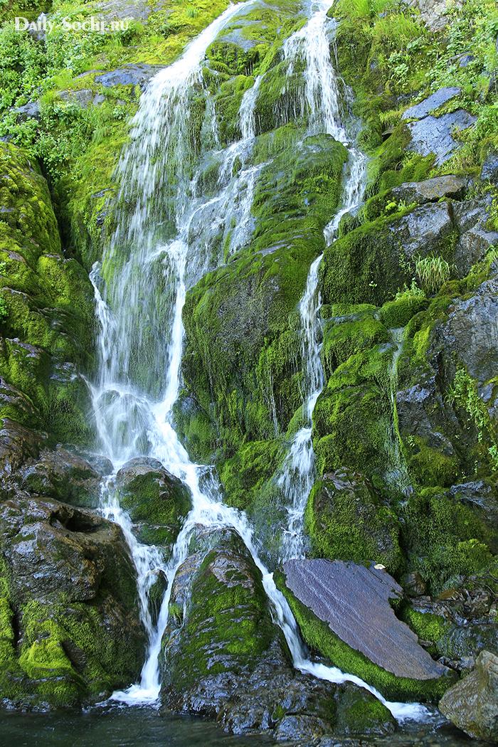 Водопад на горе Ачишхо