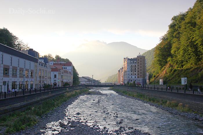 Роза Хутор. Река Мзымта и горы